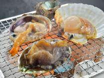 新鮮魚介を贅沢に目の前で浜焼きで!