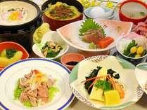 春◆シラウオの玉〆鍋に季節の煮物、牛肉のサラダ、海鮮茶碗蒸しなどボリュームたっぷり「因幡路御膳」