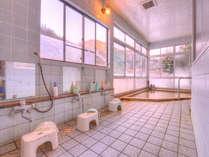 *大浴場/プチプチの気泡が肌を優しく包む炭酸泉の湯。効能豊かな温泉に浸かり明日への鋭気を養いましょう。