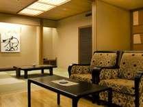 ※特別室【森のスイート・藍】(70平米)檜香る風呂も有り、贅沢な時間を満喫できます。