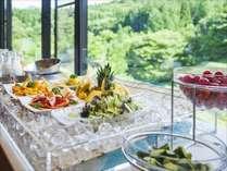 レストラン「味時雨」では立食パーティーも可能。 ~ヒ゛ュッフェイメーシ゛~