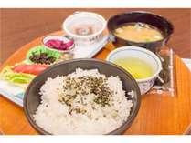 ●朝食●おおいたの豊かさが詰まった具沢山お味噌汁の和食プレート(洋食もお選びいただけます)