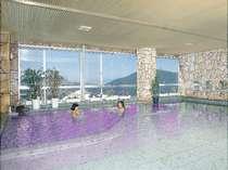 眺めのいい8F展望大浴場「ラベンダー風呂」
