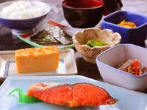 ◆和朝食◆朝はやっぱり炊きたてご飯派に。新鮮な食材をつかった体に優しい和朝食♪