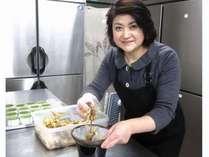 地元の食材を使って女将が手作りする季節の料理をたっぷり味わって下さい(*^_^*)