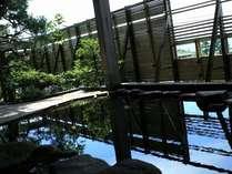 七尾湾を眺めながらの露天風呂は最高!