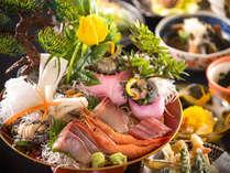 日本海の鮮魚を豪快に桶盛りに!