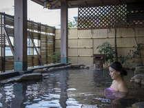 潮風に吹かれながらごゆっくり露天風呂をお楽しみください
