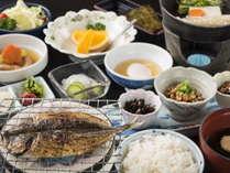 これぞ=和倉☆大観荘のTHE朝食!ご飯に味噌汁・温玉に焼魚と海苔!
