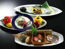 メイン料理はお肉・お魚・お野菜の中からお選びいただけます(画像は一例)