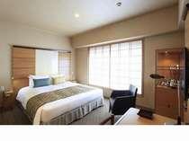 【スーペリアダブル】184センチ幅のゆったりベッド。ゆっくりお休みいただけます。