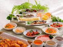 【朝食/日替り】種類豊富な人気の朝食バイキングです。しっかり食べて、元気にいってらっしゃい♪