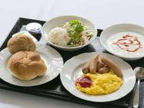 無料朝食:洋風派の方もしっかりパワーチャージしていただけます。