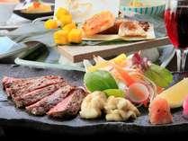 【白老牛ステーキ】ジューシーな肉のうま味が口中に広がる