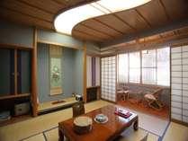 【本館客室 羽衣】数寄屋造りをお愉しみいただけるよう、各部屋にこだわりのデザインを施しています