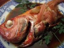 新鮮地物、下田産金目鯛煮付けプラン一匹付けです! 田舎の半農業、半漁業民宿です!