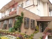 東鉢伏高原の豊かな自然がいっぱい。「翠山荘」