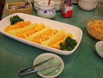 ☆朝食はバイキング形式:フルーツも♪