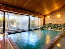 大浴場のお湯は薬師岳からの天然水心も身体もすっきり!