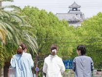 高知城までは歩いて10分。朝ゆっくり散歩がてら歩いてみては?