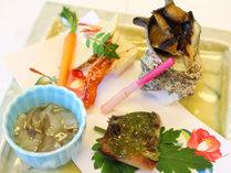 【夕食付】朝寝坊さんや早朝出発の方に★夕食は個室食でスタンダード創作料理