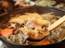寒い季節にピッタリ!アツアツの味噌仕立ての当館特製しし鍋☆