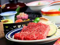 鳳来牛は味が濃厚で、脂がくどくないのが特徴的。【幻の名牛鳳来牛をステーキに♪】