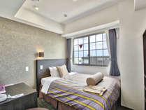 【セミダブルルーム】ゆったりしたお部屋で快適な時間をお過ごしください。