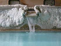 源泉掛け流しのお風呂は、お肌がスベスベに、、、