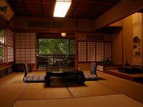 中庭向き和室10畳の一例