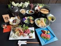 ■夕食:「熊野牛ステーキ」付き贅沢会席。季節により伊勢海老か鮑のどちらかがお造りに入ります。(一例)