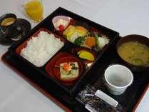 朝食例3パターンをローテーションにて朝7時から2階レストランにてご用意致しております。