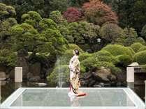 CMでもおなじみの日本庭園。100年以上の歴史ある庭園。