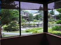 広大な日本庭園