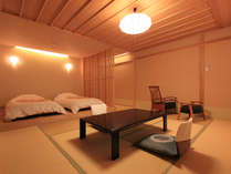 【客室例】新館露天風呂付き客室 和室10畳+ローベッドルーム