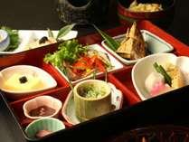 【夕食】お料理一例、彩御膳