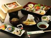 【夕食】名物鯉の甘露煮と、季節の山の幸をふんだんに使用した手づくり料理