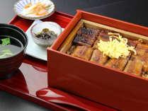 『ニューいいづか和食』のうなぎのせいろ蒸し ここにしかない珍しい一品です。