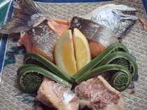 幻の魚≪さつきます≫と≪すすき≫春の山菜こごみ