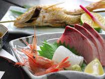 *お造り(一例)毎日仕入れるお魚だから鮮度抜群で美味しさ倍増。