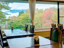 【レストラン湖畔】富士山がキレイにご覧いただける、絶景レストラン!!