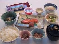 朝食です。内容は季節により多少異なります。お米は新十津川産高品質米【ななつぼし】を使用しています。