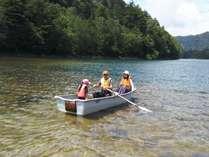 家族で菅沼ボート体験