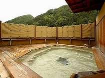 ★21時半以降は無料で貸切可能。源泉100%展望檜露天風呂を独占★