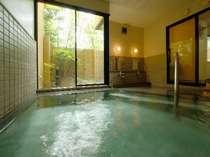 男風呂(化身の湯)温泉は単純泉。湯は飲泉も可能です