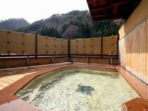 源泉掛け流しの5階の展望檜露天風呂≪杜の湯≫22時以降は無料貸切OK!