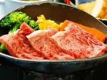 【宮崎県産霜降り黒毛和牛(60グラム)陶板焼】ジューシーな宮崎黒毛和牛をアツアツ陶板焼で♪