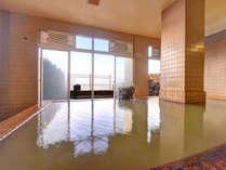 ★*大浴場/ときに成分で膜がはるほどの源泉かけ流し湯。自然のパワーを存分にご堪能下さい