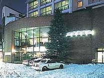 冬の朝日屋旅館(外観)