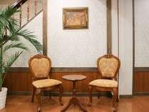 【館内】ロビーの家具までこだわっています。